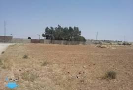 ارض للبيع في الموقر/ ذهيبة الشرقية